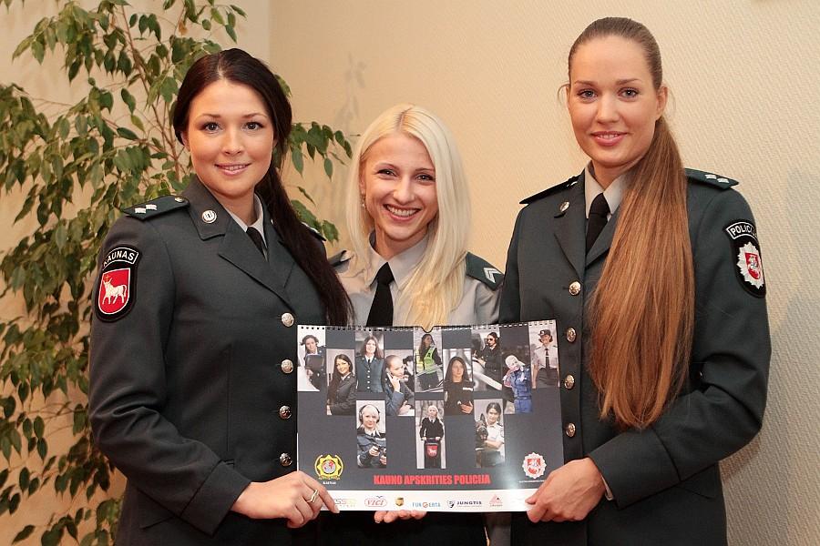 Сотрудницы каунасской полиции снялись для календаря