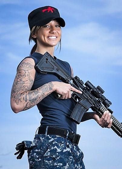 Татуировки американских женщин-военнослужащих