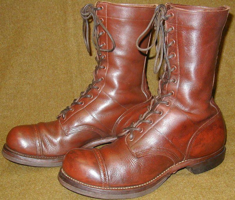 Отличия прыжковых и красно-коричневых ботинок
