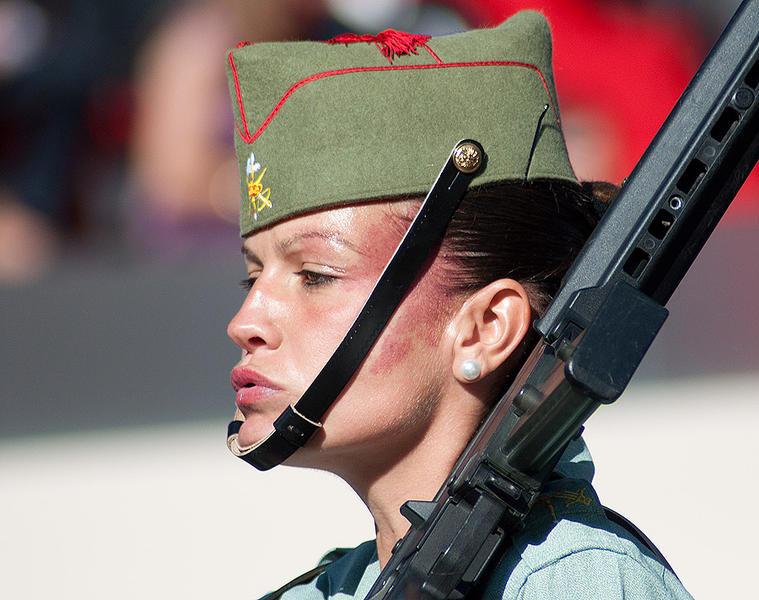 Девушки из Испанского Иностранного легиона