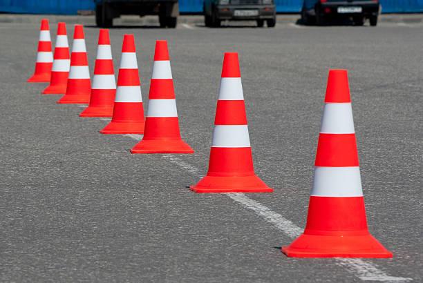 дорожные сигнальные конусы