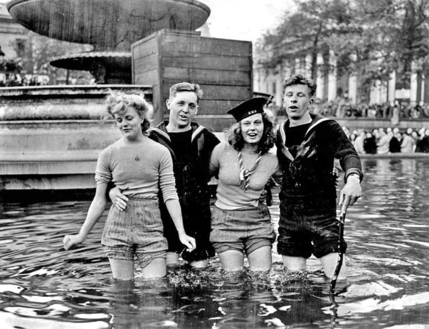 Париж, 8 мая 1945