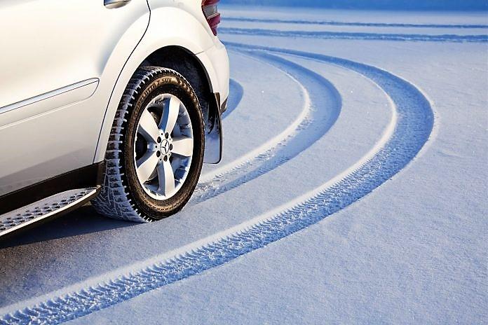 Почему нельзя использовать летние шины зимой