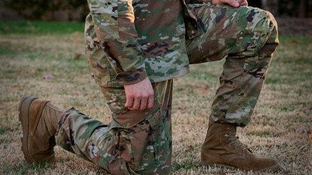 Новая униформа и ботинки армии США для жаркого климата